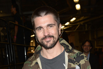 Juanes Univision's 28th Edition of Premio Lo Nuestro A La Musica Latina - Backstage