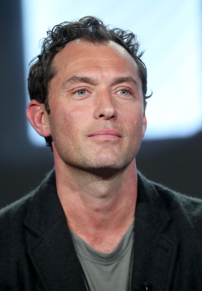 ... 10 in this photo jude law actor jude law of the series the young pope Jude Law