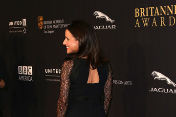 Julia Louis-Dreyfus BAFTA Los Angeles Jaguar Britannia Awards Presented By BBC America And United Airlines - Arrivals