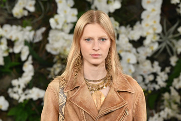Julia Nobis Ralph Lauren - Runway - February 2017 - New York Fashion Week
