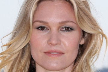 Julia Stiles 'Riviera' photocall - Cannes MIP TV 2017