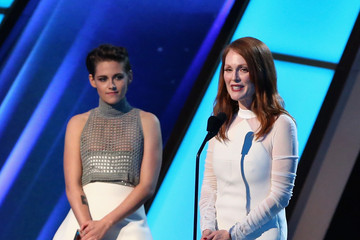 Julianne Moore Kristen Stewart CASAMIGOS Tequila At The Hollywood Film Awards