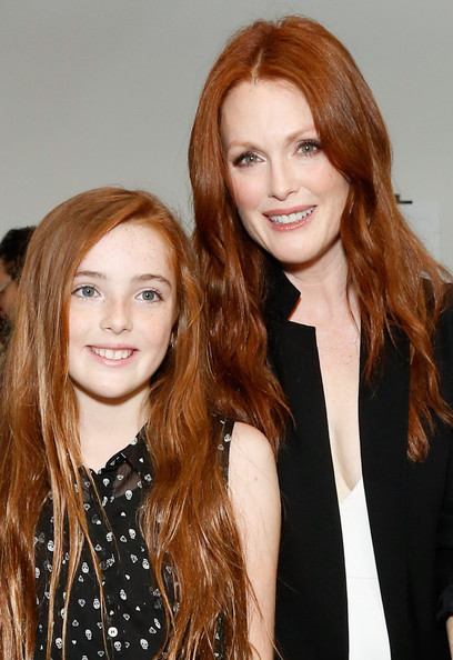 Photo of Julianne Moore & her Daughter  Liv