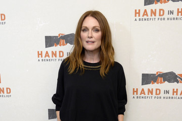 Julianne Moore Hand in Hand: A Benefit for Hurricane Relief - New York - Press Room