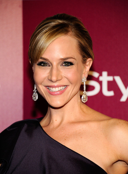 julie benz dating Julie benz is an american actress who is  after her divorce she started dating rich orosco who was once the  she is very often mistaken for julie.