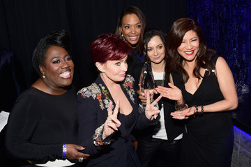 Julie Chen Sharon Osbourne People's Choice Awards 2016 - Backstage and Audience