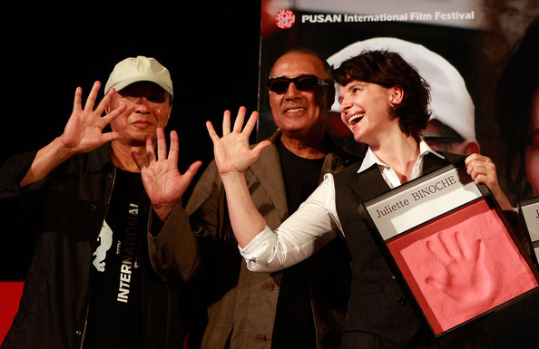 2010 Pusan International Film Festival - Day 7 [event,performance,fun,gesture,talent show,beach,haeundae,countries,pusan international film festival,hand printing ceremony,film festival,hou hsiao-hsien,juliette binoche,r,abbas kiarostami]