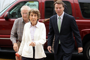 Bobbie Edwards Jury Deliberations Continue In John Edwards Trial