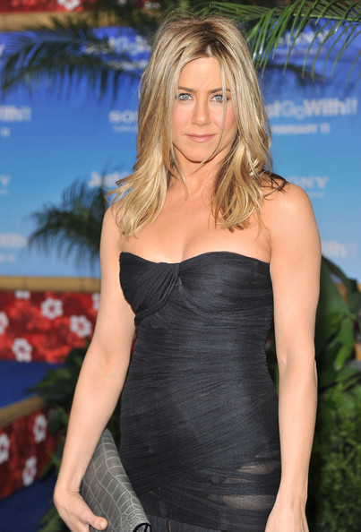 "Actress Jennifer Aniston attends the premiere of ""Just Go With It"" at the Ziegfeld Theatre on February 8, 2011 in New York City."