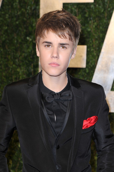 justin bieber wallpaper 2011 new. justin bieber wallpaper 2011 with new haircut. photos, Justin; photos, Justin. nsayer. Nov 15, 12:13 PM. Seems to me this might be a way not for Apple to