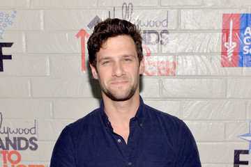 Justin Bartha Stars at the Hollywood Stands Up to Cancer Event
