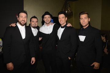Justin Timberlake Lance Bass Backstage at the MTV Video Music Awards