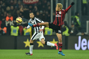 Keisuke Honda of AC Milan controls the ball during the Serie A match between Juventus FC and AC Milan at Juventus Arena on February 7, 2015 in Turin, Italy.