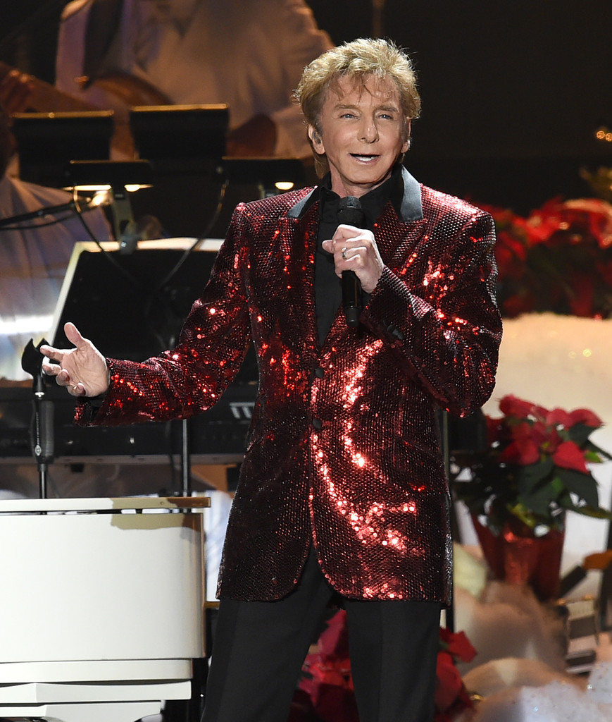 Barry Manilow Photos Photos - KOST 103.5 Presents a Very Barry ...