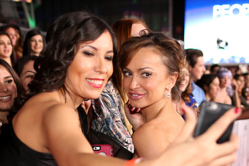 Karina Smirnoff Arrivals at the People's Choice Awards — Part 2