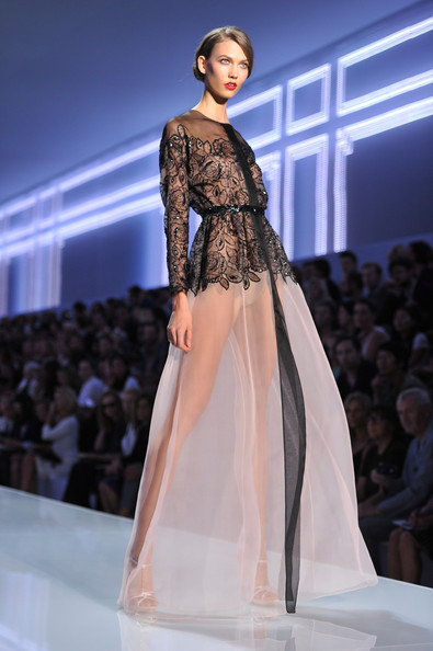 Karlie Kloss - Christian Dior: Runway - Paris Fashion Week Spring / Summer 2012