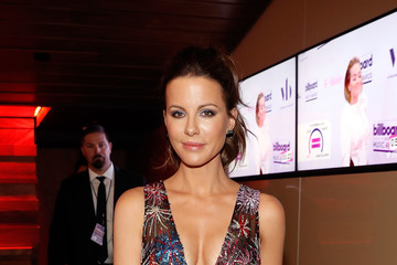 Kate Beckinsale Virginia Black VIP Lounge at the 2017 Billboard Music Awards