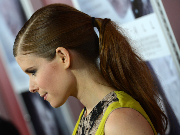 The Secrets to DIY-ing Kate Mara's Super-Slick Ponytail