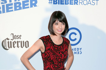 Kate Micucci The Comedy Central Roast Of Justin Bieber - Arrivals