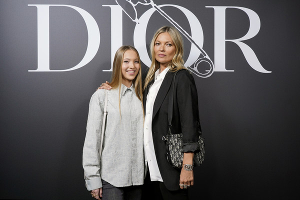 Dior Homme : Photocall - Paris Fashion Week - Menswear F/W 2020-2021 [fashion,font,outerwear,design,photography,technology,fashion design,brand,style,formal wear,dior homme,kate moss,lila moss,part,paris,france,dior homme menswear fall,photocall - paris fashion week,show,paris fashion week,lila grace moss hack,kate moss,fashion,dior,paris fashion week 2020,fashion week,dior homme,2020,dior diorshow]