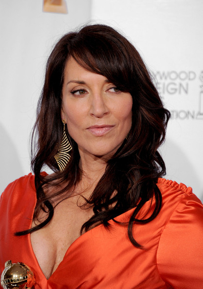 Katey Sagal Actress Poses With Her Award For Best