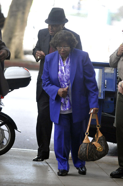 http://www4.pictures.zimbio.com/gi/Katherine+Jackson+Preliminary+Hearing+Dr+Conrad+Sfykw1YpaoLl.jpg