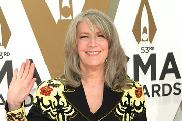 Kathy Mattea The 53rd Annual CMA Awards - Arrivals
