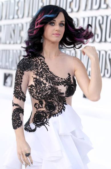 2010 MTV Video Music Awards - Arrivals [fashion model,shoulder,photo shoot,black hair,model,joint,long hair,girl,brown hair,arrivals,katy perry,2010 mtv video music awards,california,los angeles,nokia theatre l.a. live]