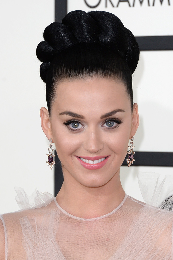 We Break Down Katy Perry's EXACT Grammys Look...You're Welcome