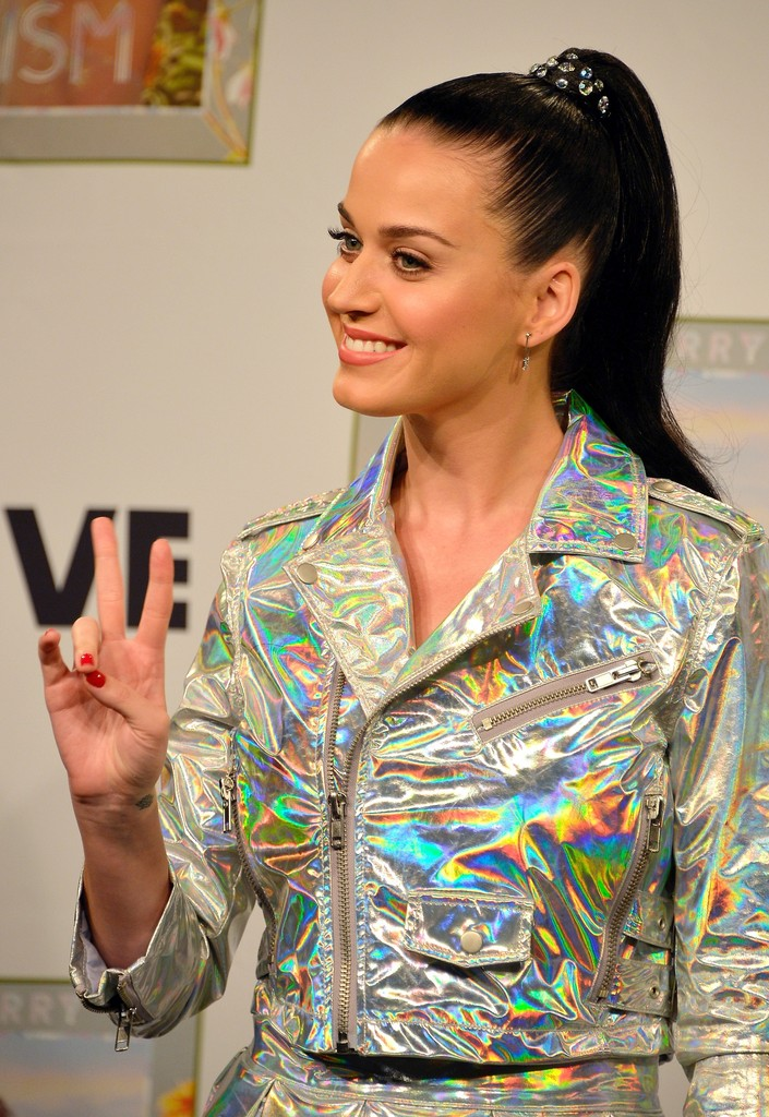 Is This Katy Perry's Newest Hair Obsession?