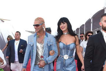 Katy Perry Riff Raff Arrivals at the MTV Video Music Awards — Part 2