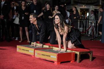 Katy Perry An Alternative View of Jeremy Scott and Katy Perry's Hand Print Ceremony
