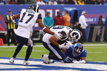 Keenan Robinson Los Angeles Rams v New York Giants