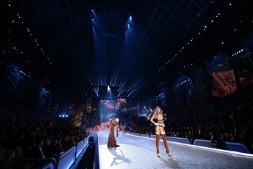 Keke Lindgard 2016 Victoria's Secret Fashion Show in Paris - Show