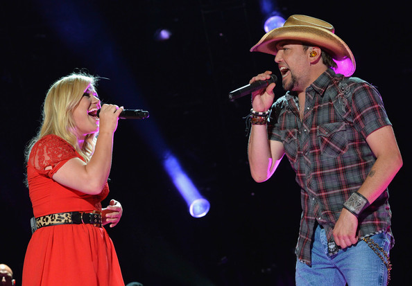 Kelly clarkson dating jason aldean