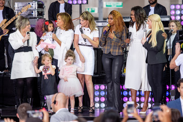 Kelly Clarkson Michelle Obama Celebrates International Day Of The Girl On NBC's 'Today'