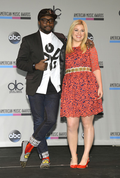 American Music Awards Nominations Press Conference [fashion,footwear,fashion design,event,performance,talent show,carpet,shoe,style,b.b.,new york city,king blues club grill,american music awards nominations press conference,musicians,kelly clarkson]
