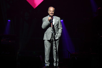 Kelsey Grammer Keep Memory Alive Honors Neil Diamond At 24th Annual Power Of Love®  - Inside