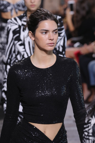 f8eff53e32bab1 Kendall Jenner Photos - 568 of 11724. Michael Kors Collection Spring 2018  Runway Show
