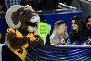 Kendall Jenner Baltimore Ravens v Los Angeles Rams
