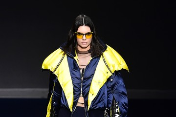Kendall Jenner Versace - Runway - Milan Fashion Week Fall/Winter 2017/18