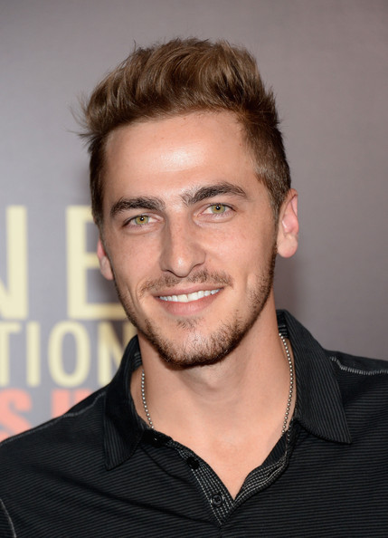 kendall schmidt dating 2013 Composers: jeff halavacs, francisca hall, kendall schmidt producers: (c) 2013 columbia records, a division of sony music entertainment.