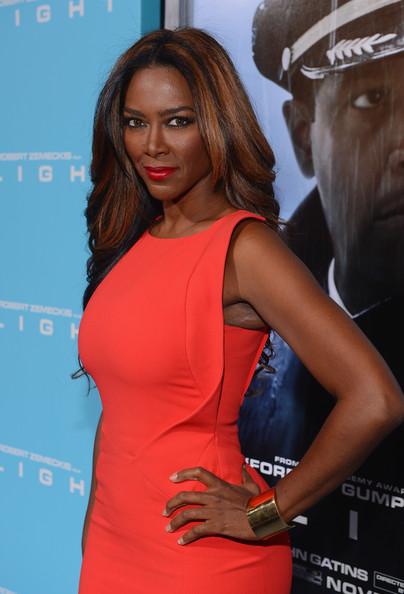 "Kenya Moore - Premiere Of Paramount Pictures' ""Flight"" - Red Carpet"