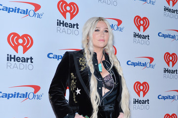 iHeartRadio Music Awards 2014 Red Carpet Photos: Best And Worst ...