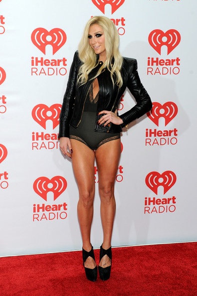 Ke$ha Flaunts Her Assets at the 2013 iHeartRadio Music Festival