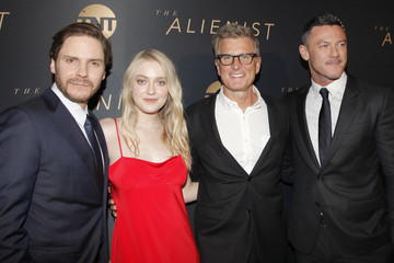 Kevin Reilly Premiere of TNT's 'The Alienist' - Red Carpet