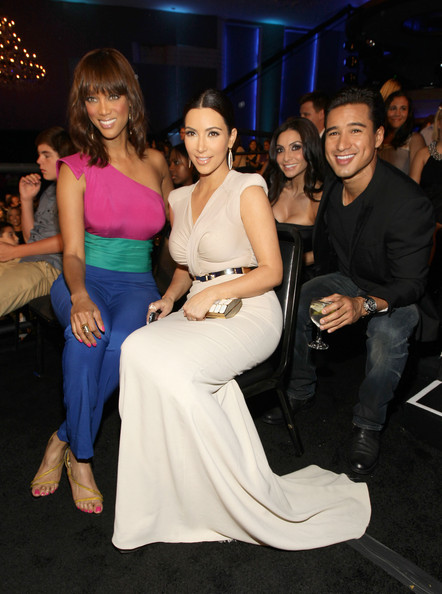 Kim Kardashian Tyra Banks,  Kim Kardashian, Courtney Mazza and Mario Loperz attend the 2011 VH1 Do Something Awards at the Hollywood Palladium on August 14, 2011 in Hollywood, California.