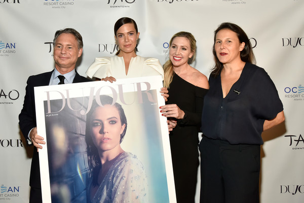 """Cover Star Mandy Moore, Along With Jason Binn, Celebrate DuJour Fall Issue And Toast Emmy Nominated TV Show, """"This is Us"""" [mandy moore,jason binn,cover star,ceo,founder,dujour,tv show,this is us,celebrate dujour fall issue,toast emmy,skin,product,event,fashion,design,white-collar worker,premiere,team]"""