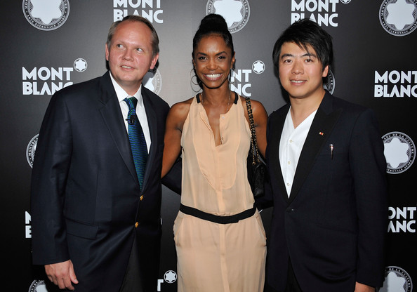 Kim Porter CEO of Montblanc North America Jan Patrick Schmitz, actress Kim Porter and pianist Lang Lang arrive at Montblanc's 2012 Montblanc de la Culture Arts Patronage Award Ceremony honoring Quincy Jones at Chateau Marmont on October 2, 2012 in Los Angeles, California.