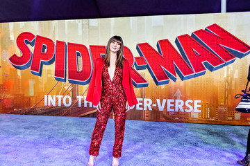 Kimiko Glenn World Premiere Of Sony Pictures Animation And Marvel's 'Spider-Man: Into The Spider-Verse' - Red Carpet
